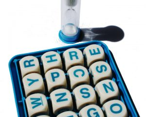 Boggle die and tray with a sand timer